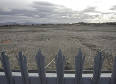 The Dublin Port Company sold the former Irish Glass Bottle site for €412 in 2006, to a syndicate including the Dublin Docklands Development Authority.