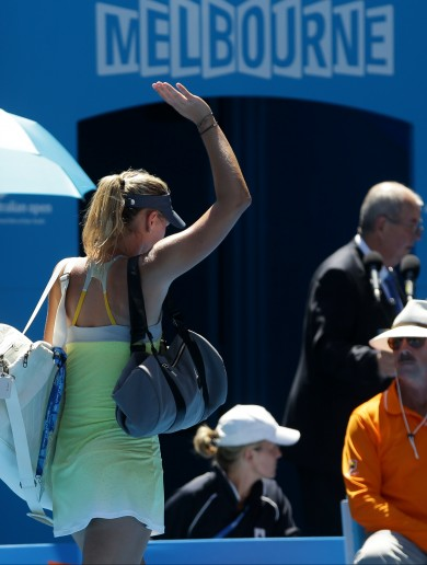 Wave goodbye: Li Na storms past Sharapova into final