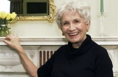 Canadian Alice Munro wins Nobel Prize, doesn't answer her phone
