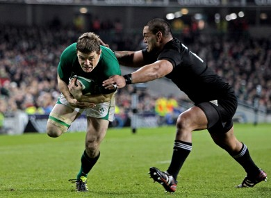 Brian O'Driscoll scores a try after a wonderful one-handed scoop in 2012.