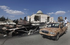 Fractured Syrian opposition agrees to join peace talks