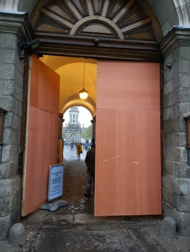 Trinity College gets temporary gate as man who smashed into historic entrance released